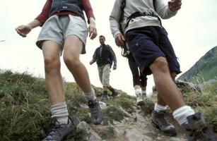 Lesión de rodillas en los descensos. Fuente: http://www.ehowenespanol.com/